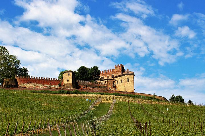Castello di Montemagno, Monferrato, Piemonte
