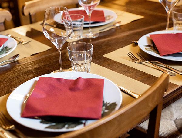 A tavola al Ristorante La Raviola Galante, Scurzolengo, Monferrato, Piemonte