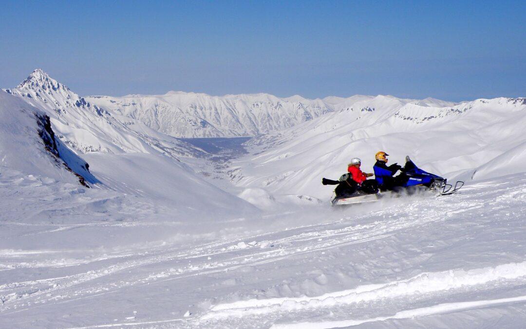 Thrilling Snow: Avventura in Motoslitta!